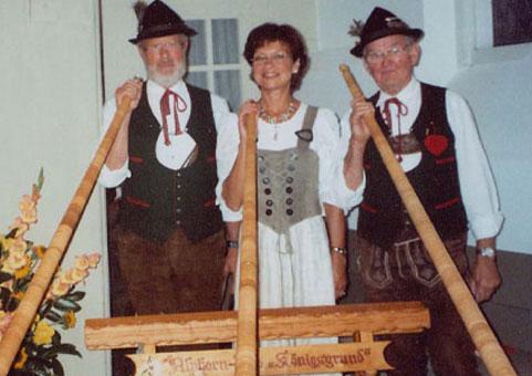 traditionell bayrische Alphornbläser
