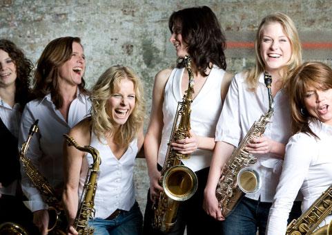 Saxophon Walkact weiblich!