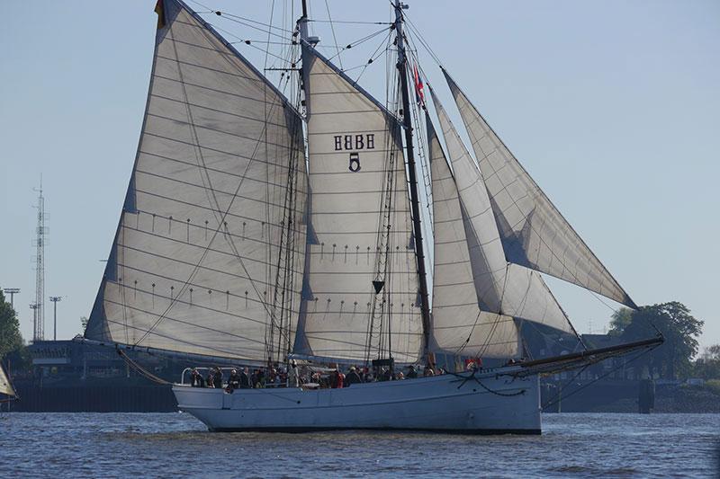 Zweimast-Gaffelschoner - Charterschiff!