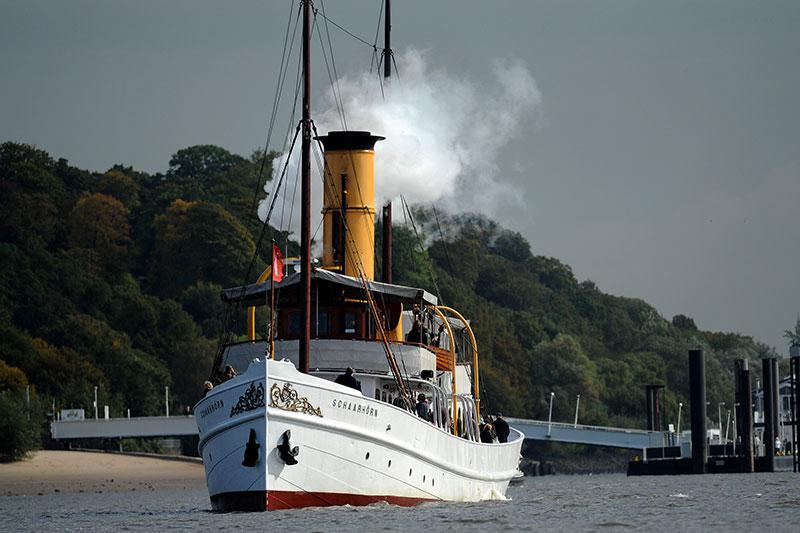 Traditionsfahrten mit Dampfschiff