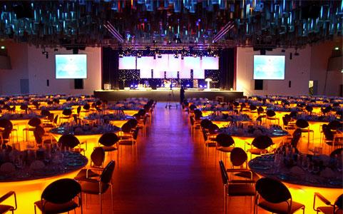 Location Agentur Hamburg : events die bewegen die r ckem nner werbeagentur ~ Michelbontemps.com Haus und Dekorationen